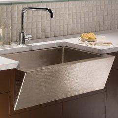 "33"" x 22"" Zuma Farm House Kitchen Sink - Brushed Nickel"