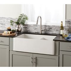 "33"" x 21"" Farmhouse Reversible Kitchen Sink - Pearl <small>(#NSKD3321-P)</small>"