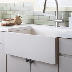 "30"" x 18"" Farmhouse NativeStone Apron Front Sink - Pearl"